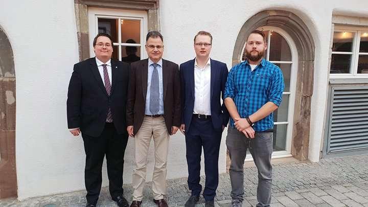 Europadelegierte der AfD Rems-Murr Daniel Lindenschmid, Jürgen Braun, Stephan Schwarz und Versammlungsleiter der Mitgliederversammlung Moritz Brodbeck.